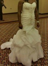 Wedding dress with a corset back in Fort Benning, Georgia