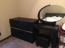 Drawer with dressing table and chair in Fort Campbell, Kentucky