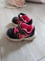 girl shoes size 6c nike in Ramstein, Germany