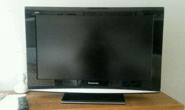 32 inch Panasonic flat screen tv in Fort Leonard Wood, Missouri