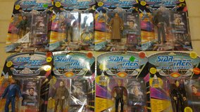 Star Trek Action Figures The Next Generation 7th Season 1994 in Bartlett, Illinois