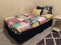 Twin bedding set paid $70 for quilt alone bought each item separately in Leesville, Louisiana