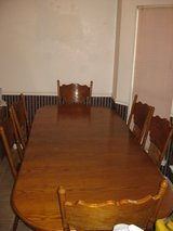 Dining Room Table for 6 in Fort Rucker, Alabama