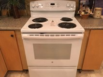 GE White Electric Range - USED in Fort Lewis, Washington