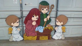 PM 'mini' Nativity with two kneeling angels in Houston, Texas