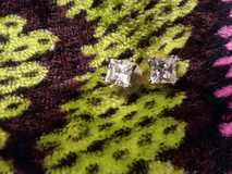 Diamond earings in Minneapolis, Minnesota