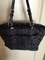 Black Coach Shoulder Purse in Spring, Texas