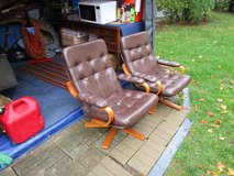 2 Chairs in Orland Park, Illinois