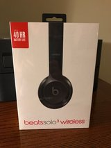 Beats Solo 3 Wireless Headphones in Bolingbrook, Illinois