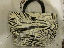 Guess Hand Bag 1 of 2 in Fort Eustis, Virginia