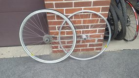 road bike wheelset in Westmont, Illinois