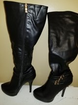 Women's Black knee high boots size 8.5 in Hinesville, Georgia