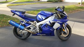 2001 YZF Yamaha R1 in Algonquin, Illinois