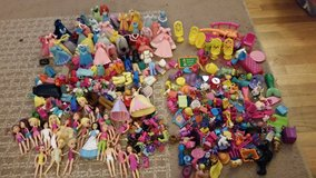 Polly Pocket Dolls and Accessories in Fort Lewis, Washington