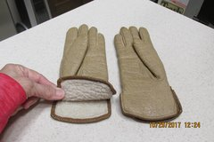 Womens Winter Gloves - Gently Used in Kingwood, Texas