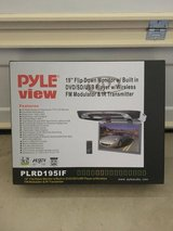 "19"" overhead DVD player in Camp Pendleton, California"