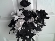 Large Black & White Floral Bouquet in Eglin AFB, Florida