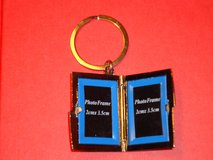 2 photo locket keychain in Plainfield, Illinois