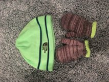 Boys north face hat green no name mittens youth medium prob 2-4 age in Naperville, Illinois
