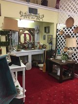 Lots of nice home decor / furniture in Leesville, Louisiana