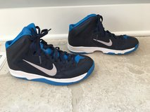 Nike Youth Basketball Shoes (Boy or Girl) - Blue Size 6 in Plainfield, Illinois