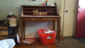 Secretary Desk Avail. 12/8 in Camp Lejeune, North Carolina