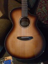 Breedlove Acoustic Electric Guitar in Fort Leonard Wood, Missouri