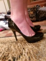 Arturo Chang pumps. never worn in Toms River, New Jersey
