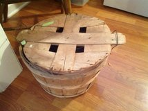 Bushel basket with lid in Bartlett, Illinois