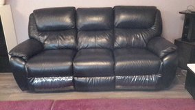 3-2-1 Black Leather Couch Set in Ramstein, Germany