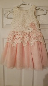 Pink and cream lace Size 5 Dress! Like Brand New! in Fort Campbell, Kentucky