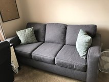 1 year old couch in Sugar Grove, Illinois