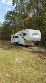 2008 36'  Cardinal by Forest River /Fifth Wheel in Fort Polk, Louisiana