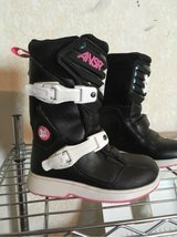 ANSR girls motorcycle boots in Barstow, California