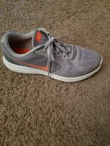 Women's Size 10 NIKE tennis shoes Like Brand New! in Fort Campbell, Kentucky