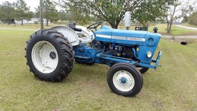 Ford 3000 tractor in Warner Robins, Georgia