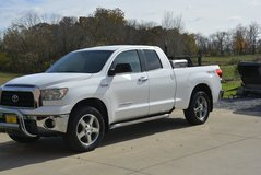 2007 Toyota Tundra SR5 4x4 Double Cab in Pleasant View, Tennessee