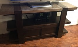 5'ft wood entertainment center tv stand in Naperville, Illinois