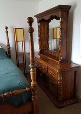 Dresser and mirror in Bolingbrook, Illinois