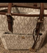 Michael Kors purse/new in Clarksville, Tennessee