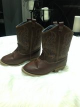 Unisex Toddlers Brown boots sz 8 in Fort Campbell, Kentucky