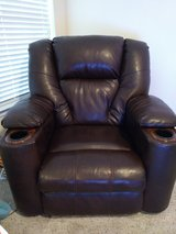 Leather electric recliner in Beaumont, Texas
