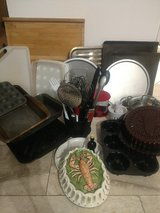 LOT - Kitchen items, pans in New Orleans, Louisiana