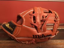 WILSON baseball glove / MINI PRO (youth) in Fort Campbell, Kentucky