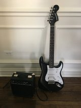 Fender Starcaster Electric guitar and amp in Glendale Heights, Illinois