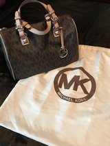 Authentic Michael Kors Grayson Satchel in Warner Robins, Georgia