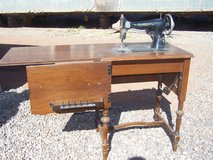 Vintage Franklin Sewing Machine in Cabinet in Alamogordo, New Mexico