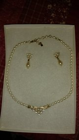Pearl earrings and necklace in Dover AFB, Delaware
