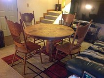 Oak Dining Table & 6 Chairs in Fort Leonard Wood, Missouri