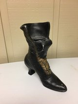 CAST IRON HIGH BACK SHOE in Naperville, Illinois